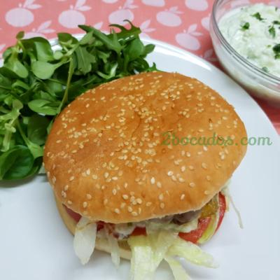 Hamburguesa con cebolla caramelizada-1